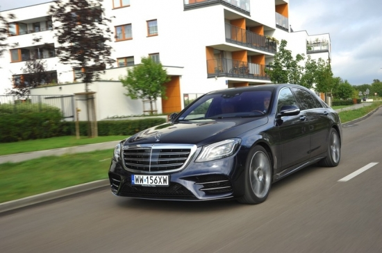 MERCEDES S 560 4MATIC L: формула комфорта